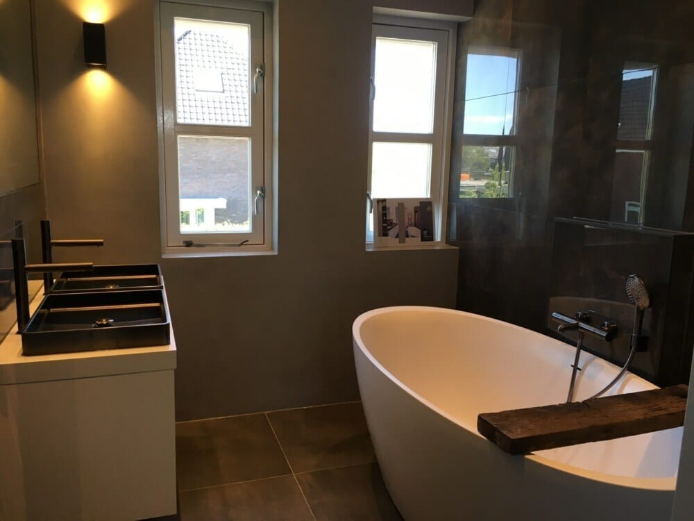 Luxe badkamer modelwoning